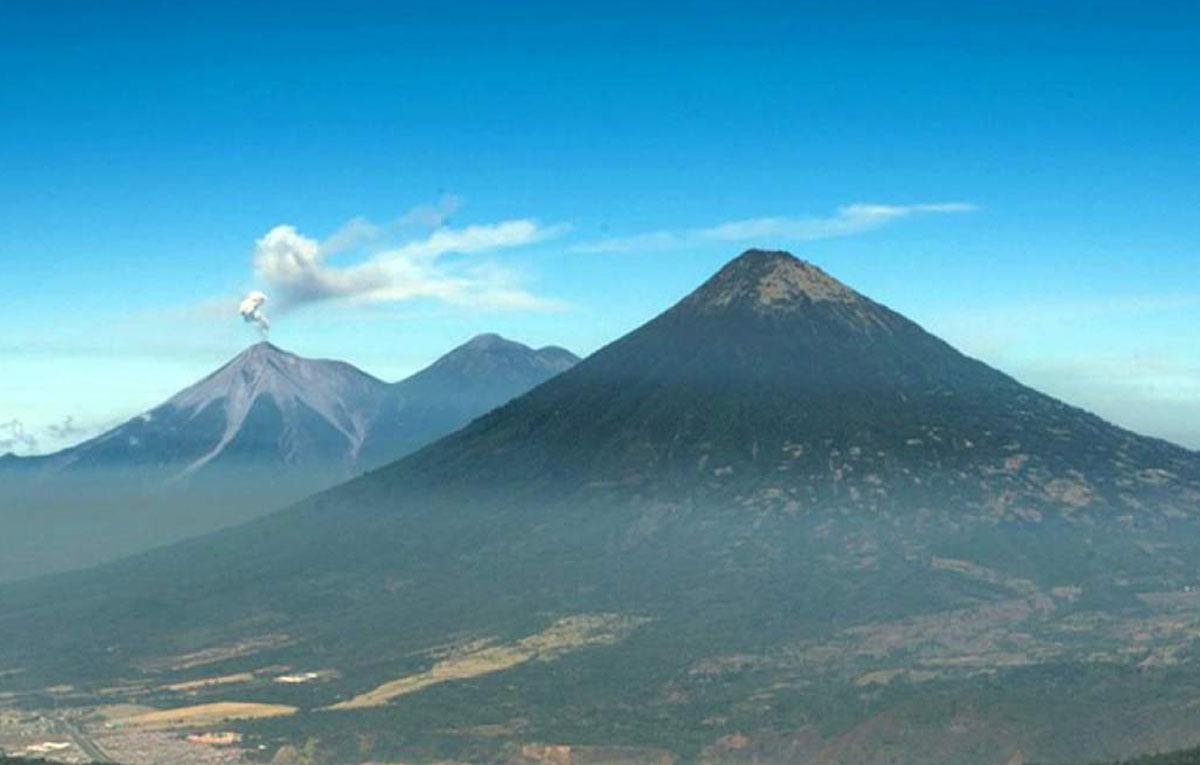 Día 2: Antigua Guatemala - Volcán de Pacaya